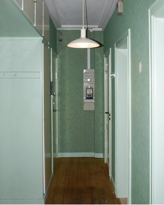 Hallen innan den renoverades och målades.